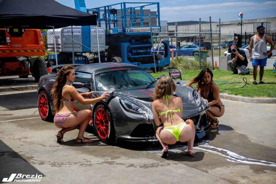 lotus  bikini carwash
